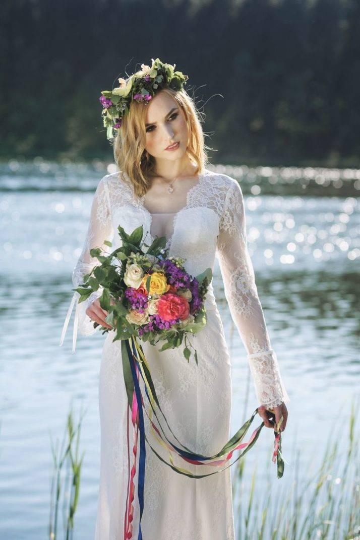suknia ślubna dekolt w szpic i wianek
