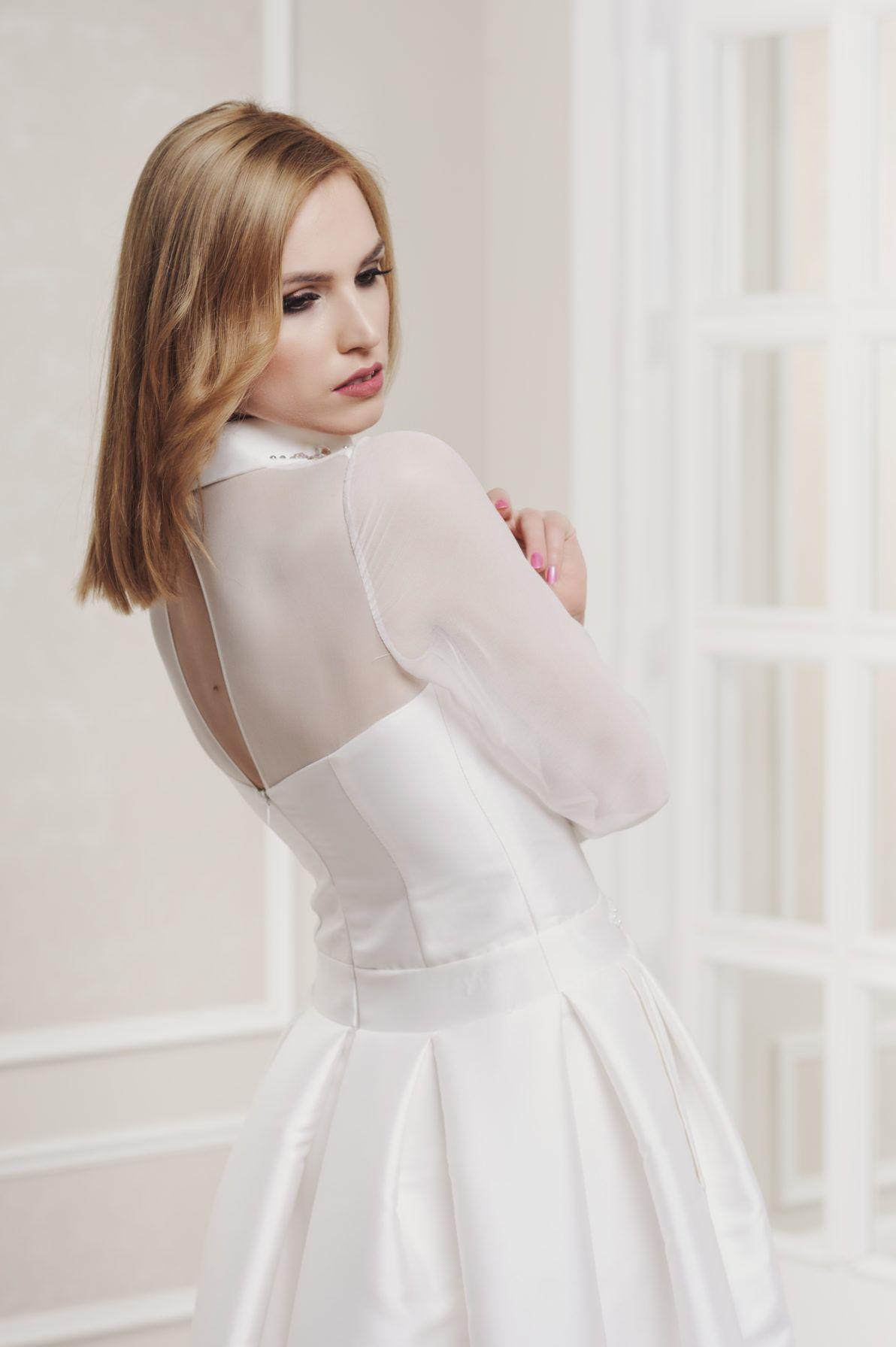 suknia ślubna koszulowa góra