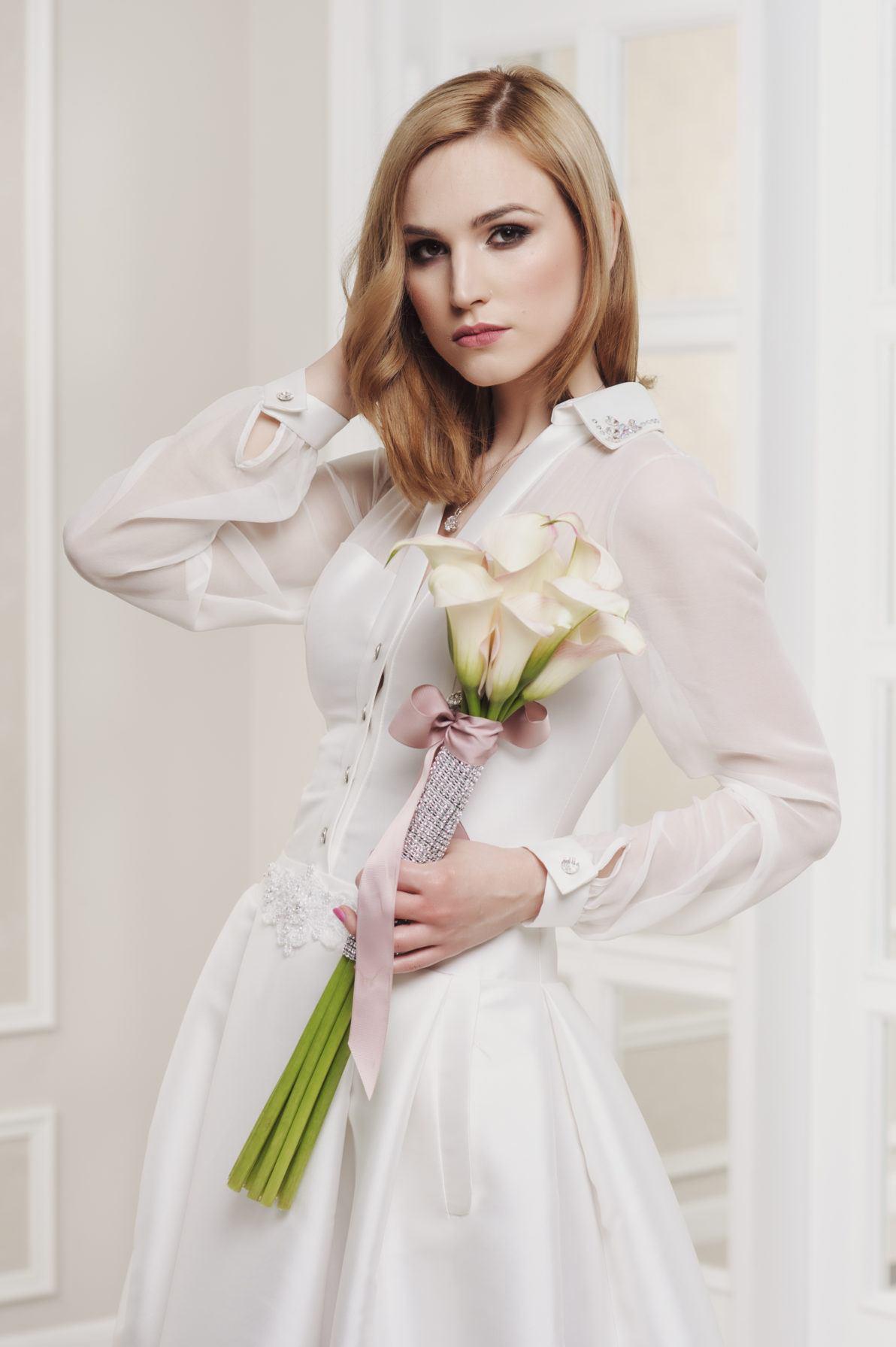 suknia ślubna rozpinana z przodu