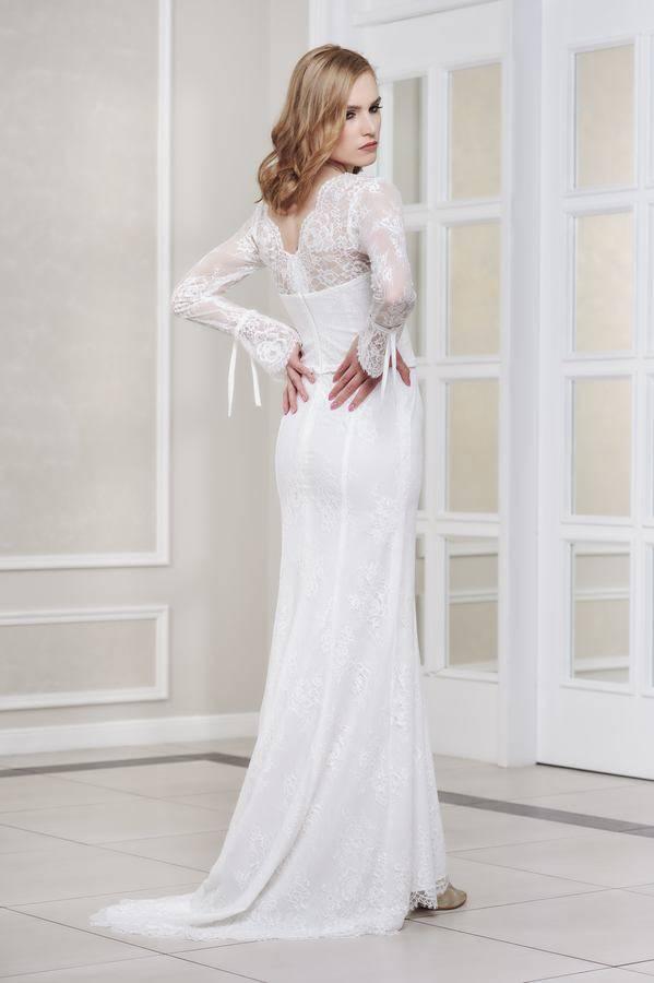 suknia ślubna kroju rybki z rękawami