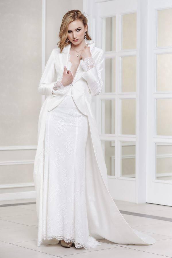 płaszcz ślubny ztrenem