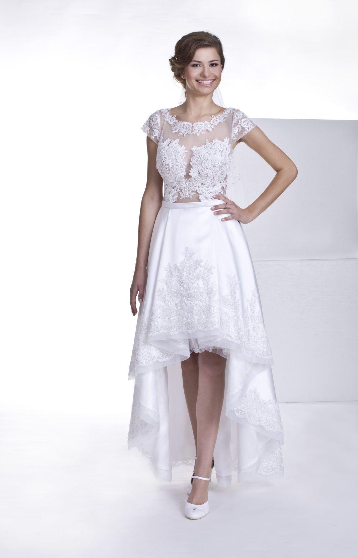 suknia ślubna z krótkim przodem