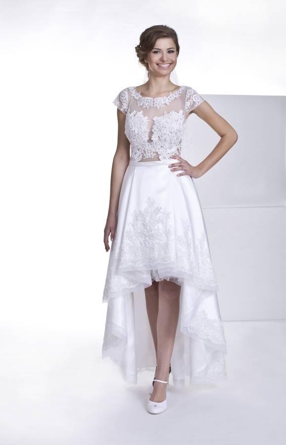 suknia ślubna zkrótkim przodem