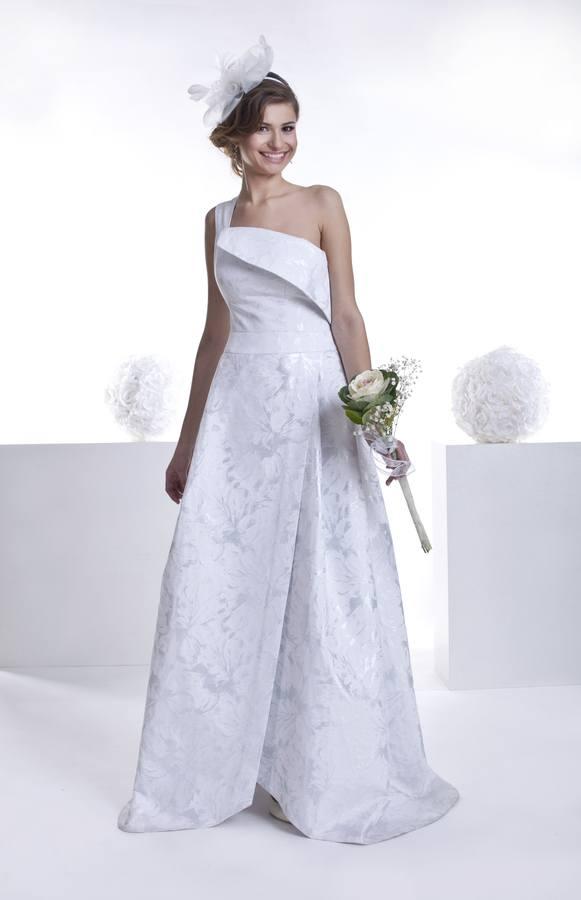 biało srebrna suknia ślubna zżakardu zrozporkiem zprzodu